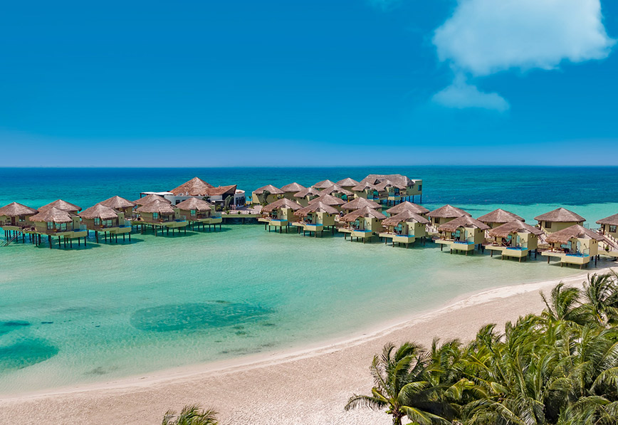 Baby Blue Skies And Endless Turquoise Waves Take A Look At The Stunning El Dorado Maroma